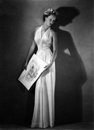 Arturo Ghergo - Contessa Marella Caracciolo Agnelli con un abito da sera di Federico Forquet , 1946