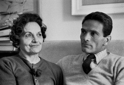 Vittorio La Verde - Pier Paolo Pasolini con la madre nella sua casa di Monteverde. Roma, 1965