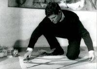 """Franco Angeli. Fotogramma dal cortometraggio """"Inquietudine"""" (1960) di Mario Carbone"""