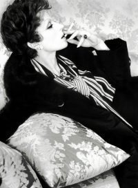 Elisabetta Catalano - Silvana Mangano con una pelliccia di Fendi sul set del film di Luchino Visconti Gruppo di famiglia in un interno 1968