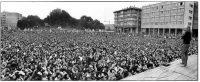 Enrico Scuro | Bologna, 25 settembre 1977. Convegno contro la repressione. L'intervento finale di Dario Fo in piazza VIII Agosto