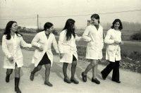 Paola Agosti | Operaie durante l'intervallo di lavoro. Marsica, Abruzzo, 1973