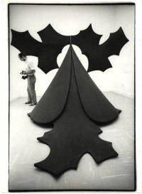 Ugo Mulas | Philip King con una sua scultura Gengis Khan. New York, 1964