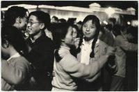 Caio Garrubba Pechino, 1 ottobre 1959, decimo anniversarsario della proclamazione della Repubblica Popolare Cinese. Ballo in Piazza Tienanmen vintage print.9